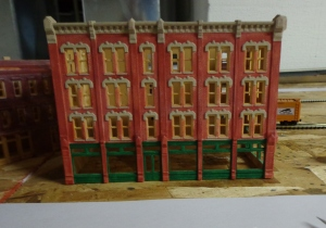 N Scale Structure - Apartment Bldg - 7-7-16