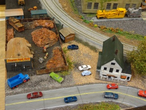 Train Show - N Scale Junk Yard - 7-16-16