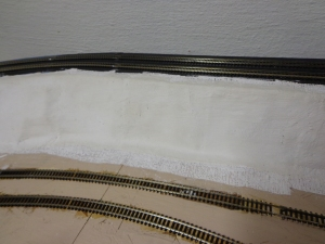 Train Layout - Plaster Embankment - 8-28-16