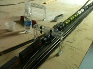 train-layout-3d-printed-signal-bridge-9-11-16