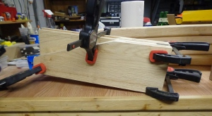 wreath-stand-feet-glued