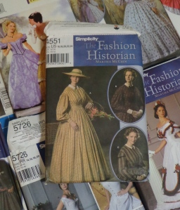 historical-dresses-patterns-day-dress