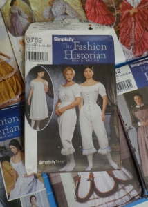 historical-dresses-patterns-pantaloons