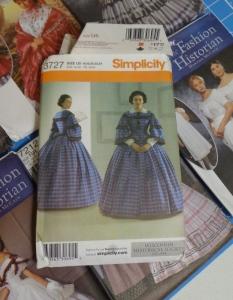 historical-dresses-patterns-visiting-dress