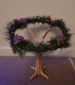 mini-wreath-stand-done