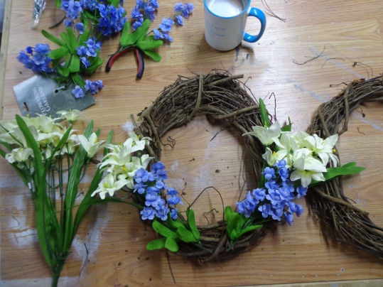 Wreaths - Decorating