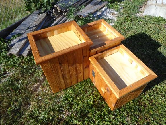Cedar Bird Bath 6
