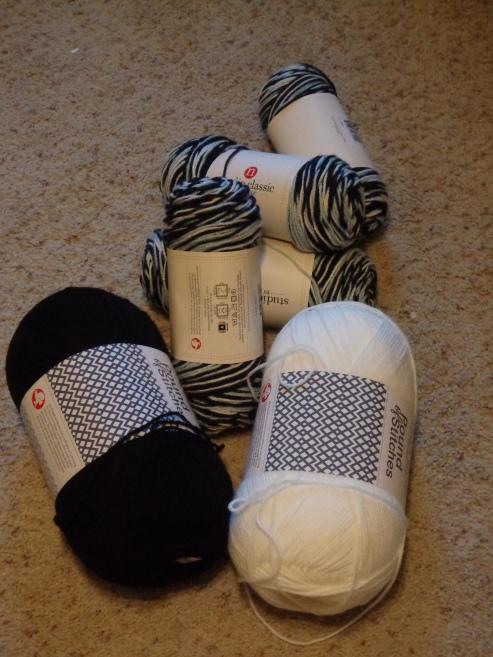 Project Linus Blanket #22 - Yarn