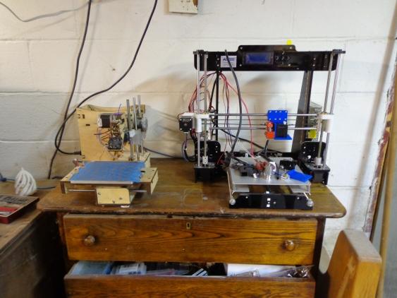 2 3D Printers