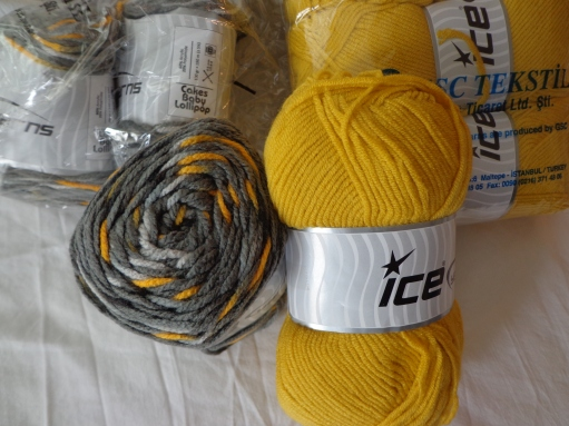 IceY Cakes Baby Lollipop Gray with Yellow Aran 7-3-19