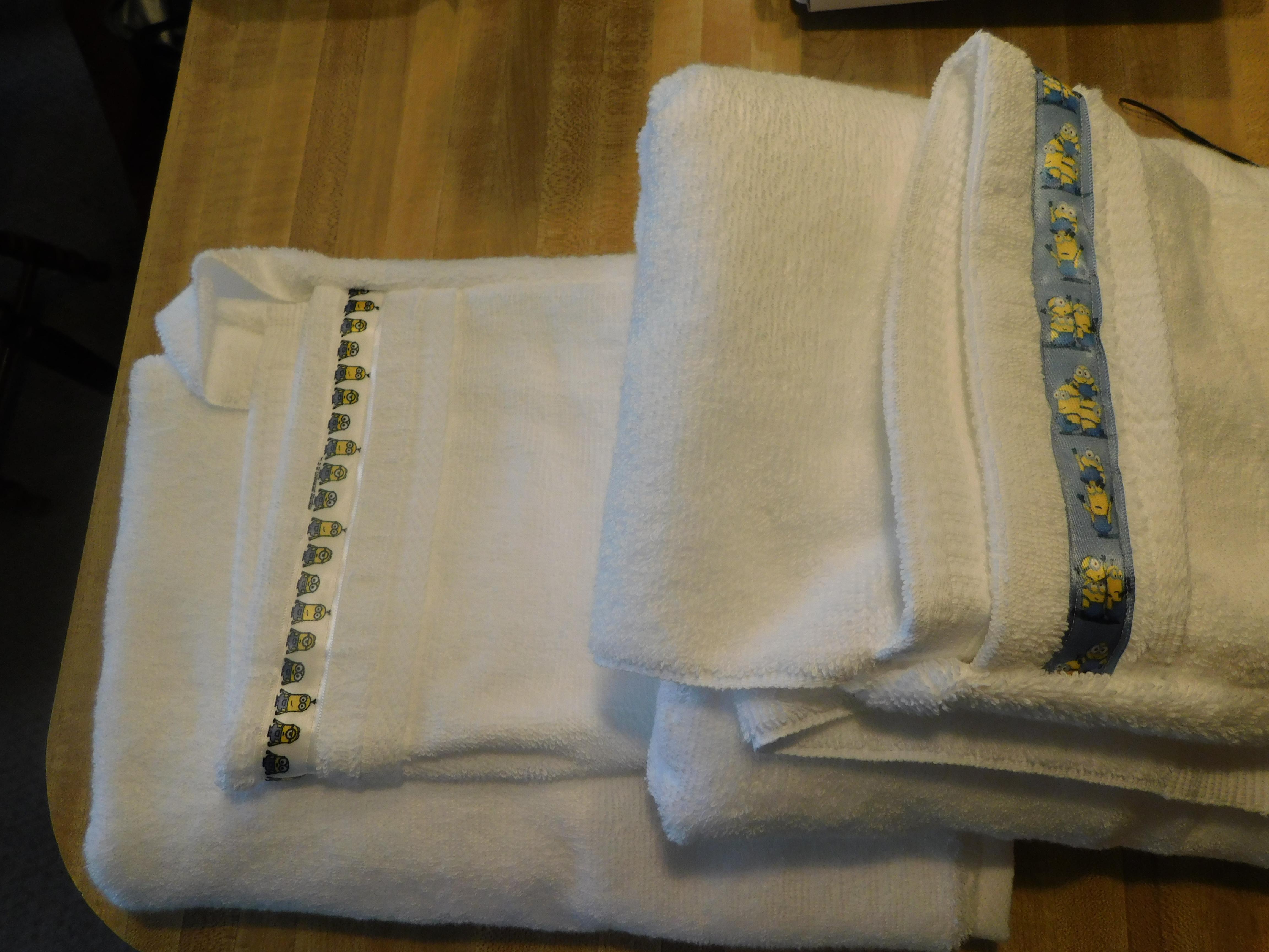 Charlie Hooded Towels 08 2021